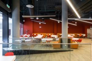 интерьер корпоративного ресторана «CAFETERA» для «Compass Group». АртДеп – 04