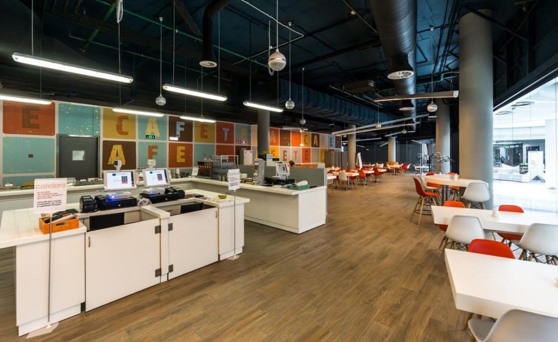 интерьер корпоративного ресторана «CAFETERA» для «Compass Group». АртДеп – 05