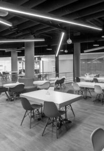 интерьер корпоративного ресторана «CAFETERA» для «Compass Group». АртДеп – 08