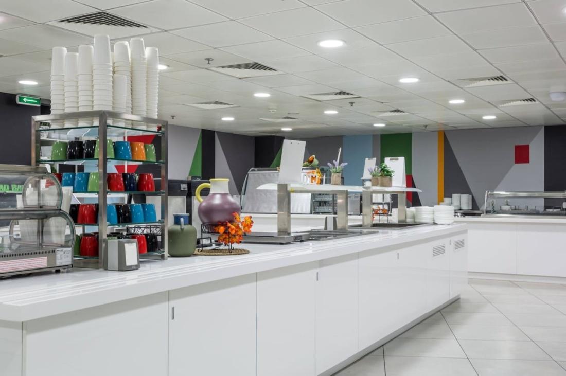 Интерьер корпоративного ресторана DELIMARCHE для Compass Group. АртДеп – 05