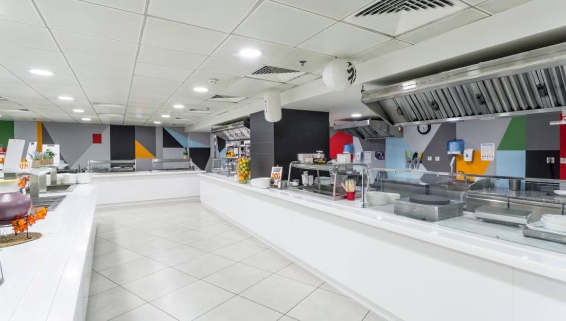 Интерьер корпоративного ресторана DELIMARCHE для Compass Group. АртДеп – 07