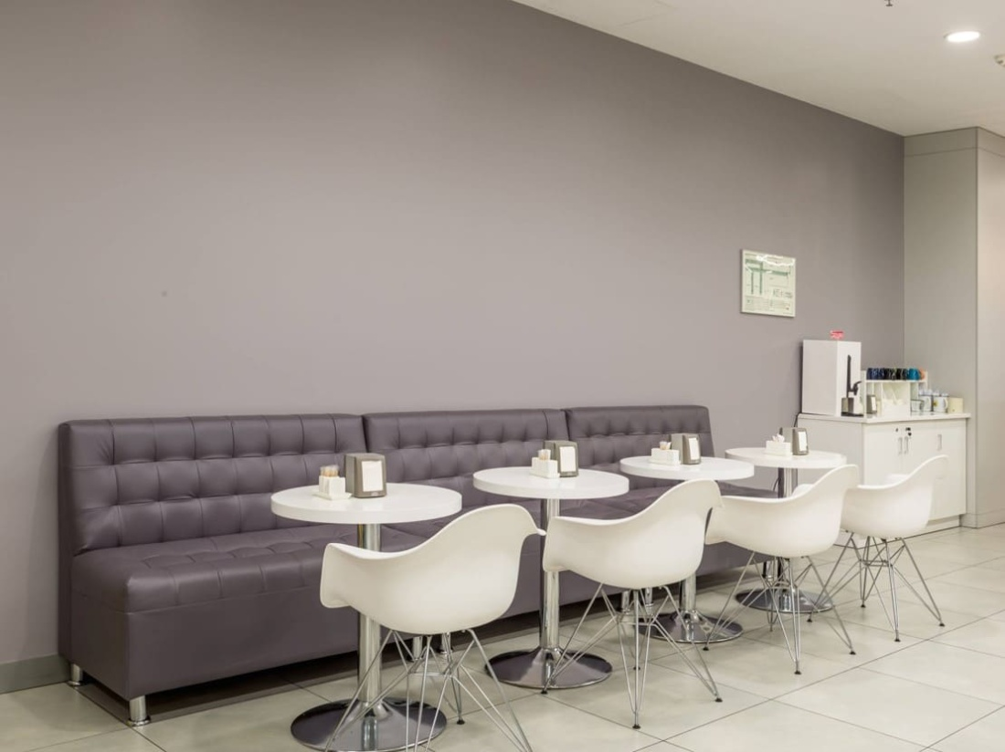 Интерьер корпоративного ресторана DELIMARCHE для Compass Group. АртДеп – 10