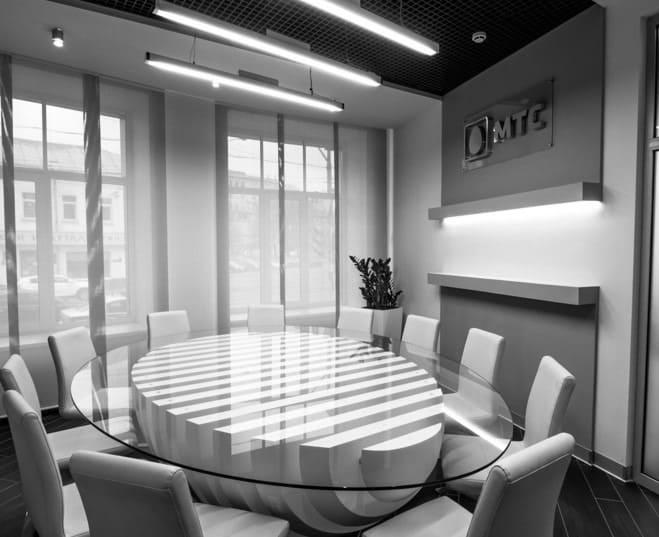Вестибюль офиса компании ПАО «МТС». АртДеп – 10